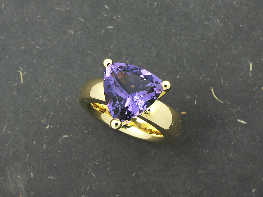 Cocktailring in Gelbgold 750, Amethysten 4,37 ct.